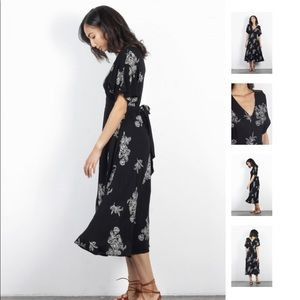 Mod Ref Black and White Floral Midi Dress - MED